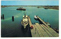 FERRY IN OCRACOKE HARBOR  OCRACOKE   NORTH CAROLINA   ***    A   SAISIR  ****** - Ferries