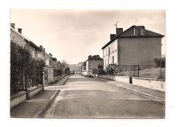 CUSTINES - Rue A. Fould - Renault 4L - - Otros Municipios