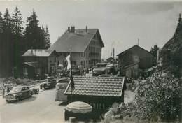 39 JURA 1953 Carte Photo De BAUDRY Café Chalet Du Col De La Faucille Animée Voitures Car Autobus Ain Gex - Otros Municipios