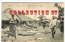 RARE < ABOMEY - MARCHE Des POTERIES Pour FETICHES - POTIER - POTTERY < A POTTER  Au DAHOMEY - Dahomey