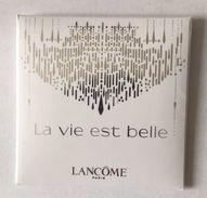 LA VIE EST BELLE  étui  De LANCOME - Cartes Parfumées