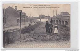 Coudekerque-Branche  Cpa La Passerelle Du Tramways Au Dessus De La Ligne Du Chemin De Fer Animé - Coudekerque Branche