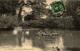 CPA Cognac Le Lac De L'hôtel De Ville - Cognac