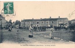 Cpa 79 La Ferrièe-Thénezay Le Champ De Foire - Thenezay