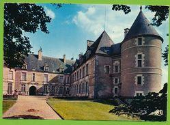 CHATEAUNEUF-SUR-CHER - Le Château Cour D'Honneur - Chateauneuf Sur Cher