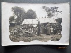Vers 1910 - Photo  BUCHERON Et Sa Famille Devant Leur Cabane Dans La Forêt - Métiers