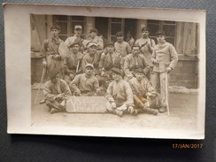 PHOTOoriginale  1923- Groupe De Militaires -Situé à MAYENCE Occupation De L'Allemagne Après La Guerre 14-18 - Militaria