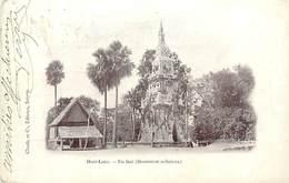 A-17-1176 :   HAUT-LAOS  UN THAT MONUMENT RELIGIEUX - Laos