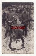 Carte Photo Militaire Deutsches Heldengrab-Friedhof-Cimetière-Tombe Soldat Jakob STOLL -Brassard Croix Rouge Infirmier - Cimiteri Militari