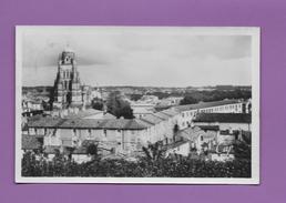 CPSM 17 SAINTES VUE GENERALE SUR SAINT PIERRE ET LE COLLEGE - Saintes
