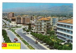 TURQUIE  ( Vers 1980 ) /  TÜRKIYE  /  NAZILLI  /  SEHIRDEN BIR GÖRÜNÜS  ( Automobiles Années 50-60 + Tracteur ) - Turquie