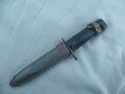 Baïonnette US M7 IMPERIAL Et Son Fourreau US M8-A1 PWH, Baïonnette Pour Fusil M 16, Guerre Du Vietnam. - Knives/Swords
