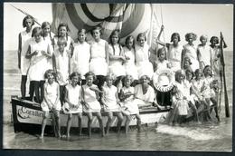 RICCIONE, FOTO, 1936, Mädchen Aus Österreich Auf Segelboot CORALLINA, - Rimini
