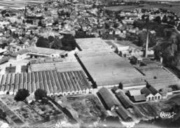CPSM - ERSTEIN (67) - Vue Aérienne Sur Le Quartier Des Usines Dans Les Années 50 / 60 - France