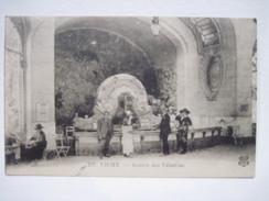 CPA Vichy - Source Des Célestins T.B.E.  1920 Animée - Vichy