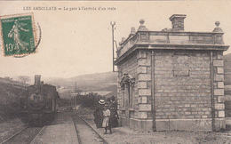 LES ARDILLATS (69) La Gare à L'arrivée D'un Train - Ohne Zuordnung