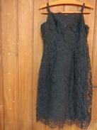 Robe Droite Noire En Dentelle -doublee H 97cm T De Poitrine 84cm T Taille 76cm- - 1940-1970