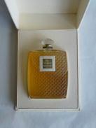 Coffret Un Parfum Houbigant : Parfum Entamé - Flacons (vides)