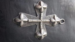 Ancienne Croix En Argent (je Pense) - Archéologie