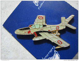 INSIGNE PINS EMAILLE ARMEE DE L'AIR  AVIATION LE RF 84 F  ETAT EXCELLENT - Militaria
