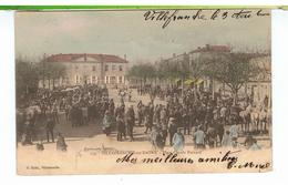 CPA-69-1904-VILLEFRANCHE-sur-SAÔNE-PLACE CLAUDE BERNARD-ANIMEE-LA FOIRE AUX CHEVAUX-NOMBREUX PERSONNAGES ET MAQUIGNONS- - Villefranche-sur-Saone
