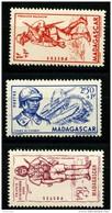 Madagascar (1941) N 226 à 228 * (charniere)