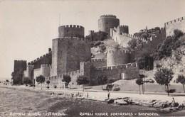 2  Cartes Photo : Turquie Constantinople Istanbul Rumeli Hisari Et Porte Du Vieux Sérail - Places