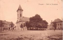 ALTE AK  EVERGEM / Prov. Ostflandern   - Kerk En Dorpplaats -  Ca. 1915 - Evergem