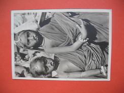 CPA   Représentant Deux Petites Filles ( Carte Avec Légère Trace De Pliure En Deux ) - Afrique