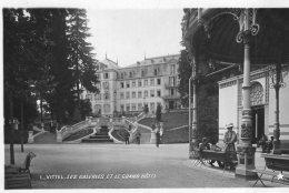 V6103 Cpsm 88 Vittel - Les Galeries Et Le Grand Hôtel - Vittel Contrexeville