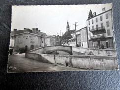CPSM - BILLOM (63) - Quai Du Terrail Et Beffroi - Autres Communes