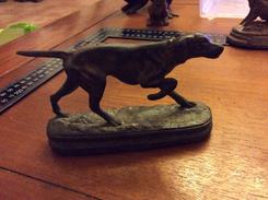 Chien De Chasse En  Bronze Animaliers Signature à Identifié - Bronzes