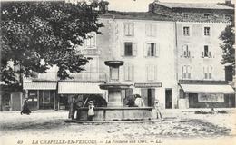 La Chapelle En Vercors (Drôme) - La Fontaine Aux Ours, Belle Animation: Enfants, Boulangerie - Carte LL Non Circulée - Altri Comuni