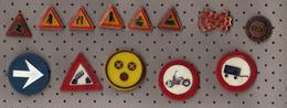 Traffic Signs - Lot - 13 Pins.Train,railway,cycling,cars,bridge,stop... - Badges