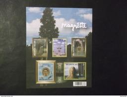 """BELGIQUE - BLOC  FEUILLETS Reproduction Couleur   - N°BL151  """" MUSEE MAGRITTE  """" - Année 2008  Neuf - Voir Photo ( 37)"""