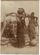 "NIGER - DOSSO, Photo Originale  ""Femmes Djermas Au Puits"" - Africa"