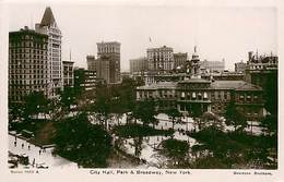 A-17-1442 :  CITY HALL PARK AND BROADWAY  NEW-YORK - Broadway