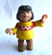 Figurine BIBIFOC SCHLEICH 1985 - AURA Ou AYMA PULL JAUNE (2) - Figurines