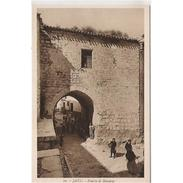 JNTP7799-LFTD5942.Tarjeta Postal De JAEN.Edificios,murallas,personas  Y PUERTA DE BARRERAS En   JAEN - Jaén