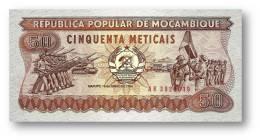 MOZAMBIQUE - 50 METICAIS - 16.06.1986 - P 129.b - Unc. -  Série AK - Soldiers, Flag Ceremony / Soldiers In Training - Mozambique