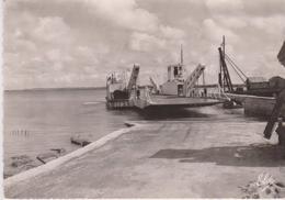 CPSM 10X15 . MARENNES  (17) La Cavenne . Le Bac - Barche