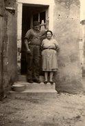 Photo Originale Couple De Paysans En Blouse Et Bleu De Travail De Nos Campagnes ! - Anonymous Persons