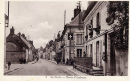 37  BLERE La Croix Route D´Amboise,animée Hôtel De La Croix Blanche  Pompe à Essence - Bléré