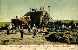 ARGENTINA - VISTA CAMPESTRA - TRILLADORA TRABAJANDO (THRESHING WORKS)  Arg44 - Argentina