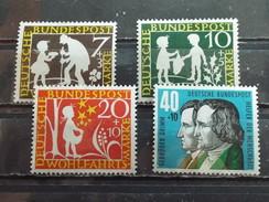 Série 4 Timbres Neuf Allemagne RFA 1959 : Au Service De L'humanité - Neufs