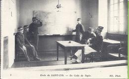 --  ECOLE DE SAINT CYR--  EN COLLE DE TAPIR -- TAMPON DE L'ECOLE -- ANIMATION -- 1915 - St. Cyr L'Ecole