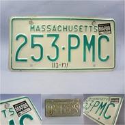 *PLAQUE IMMATRICULATION US MASSACHUSETTS - Automobile Automobilia Voiture Amérique Etats-unis - Plaques D'immatriculation
