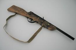 Vintage TOY GUN :  RIFLE - L=41cm - 1940s - Keywords : Cap - Cork Gun - Rifle - Revolver - Pistol - Tin - Armes Neutralisées
