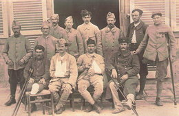 CARTE PHOTO POILU GUERRE 1914 1918 GROUPE BLESSE AMPUTE INVALIDE - 1914-18