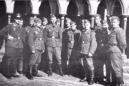Militaria WW2 - Les Aviateurs Allemands En Visite Au Mont-Saint-Michel - 1939-45